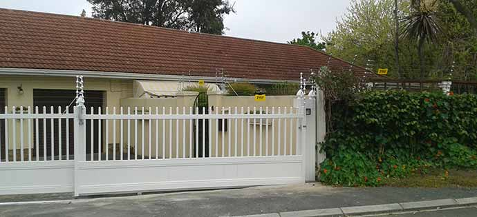 Can you attach Electric Fencing to the PVC Fence?